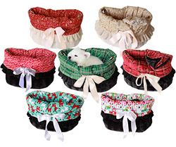 Christmas Snuggle Bug Pet Carriers